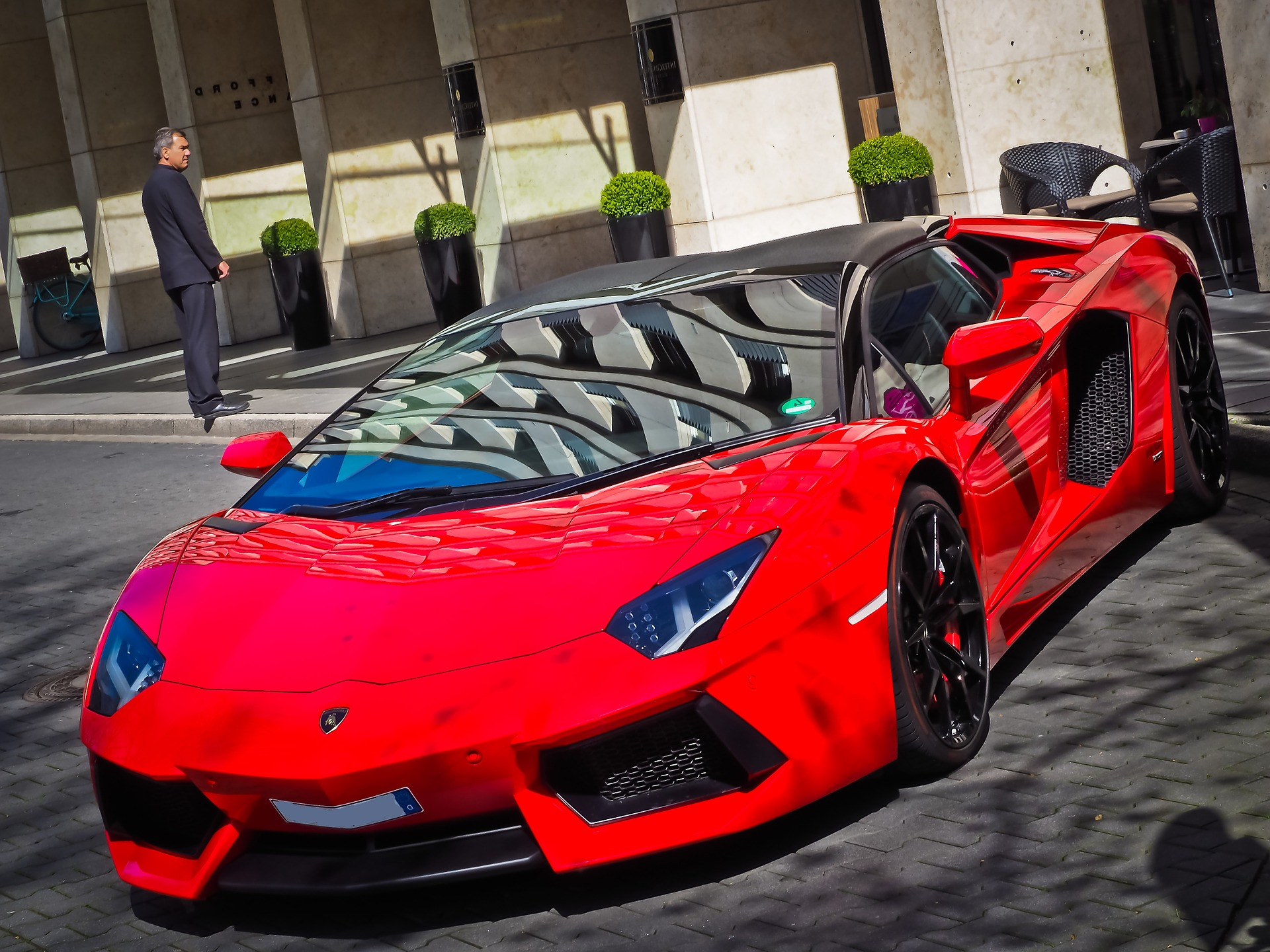 lamborghini aventador roadster release date with Top 10 Carros Mais Caros Do Mundo 2017 on New Lamborghini Centenario Unveiled At The 2016 Geneva Motor Show in addition Pink Cars Wallpaper further 2017 Ferrari Laferrari Aperta further Pink Car Wallpaper besides 2017 Lamborghini Aventador Aggressive Facelift Spied.