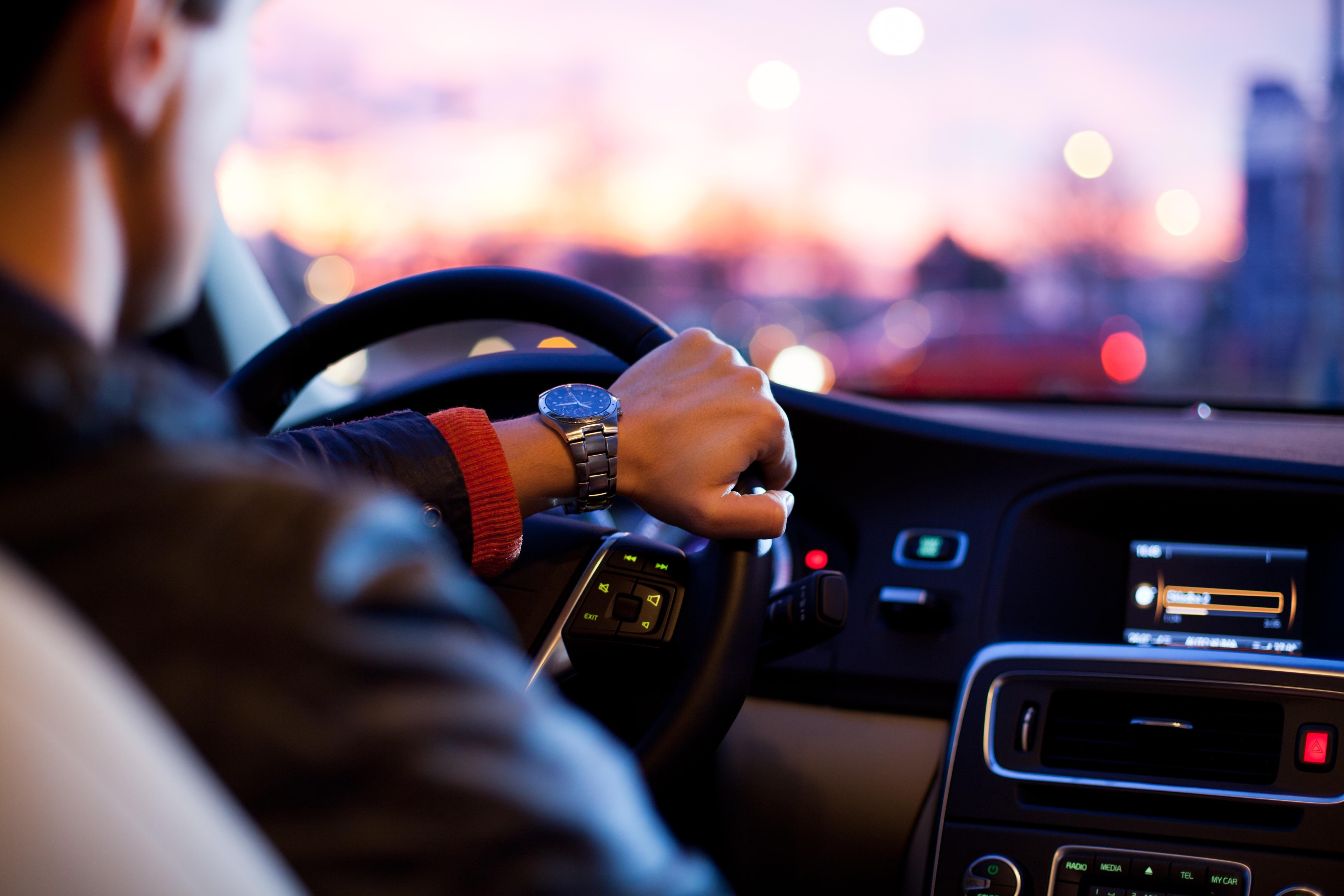 Dicas para dirigir o carro alugado com mais conforto