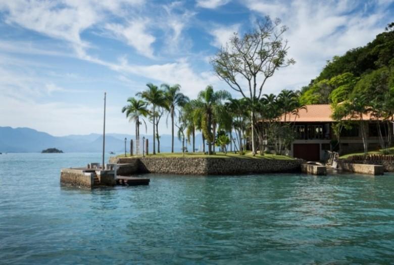 Pousada em ilha em Paraty