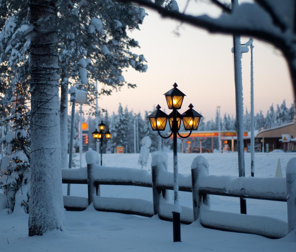 Parque na Lapônia coberto de neve