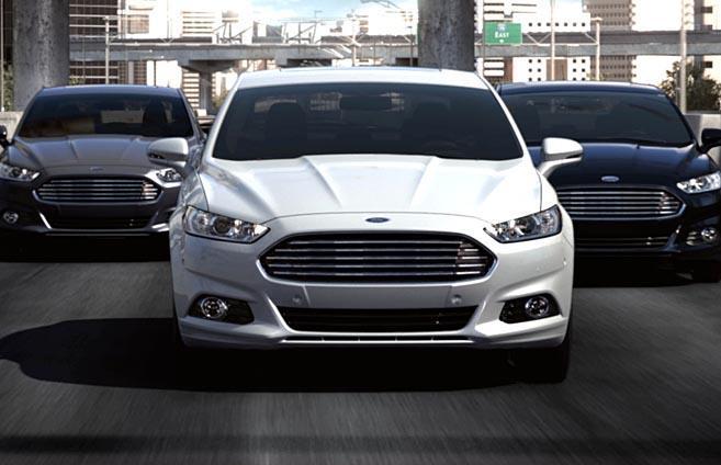 Carros Ford Fusion na cidade