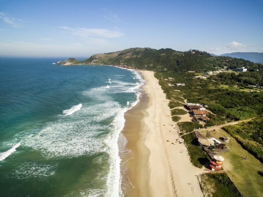 Vista aérea da Praia Mole em Florianópolis