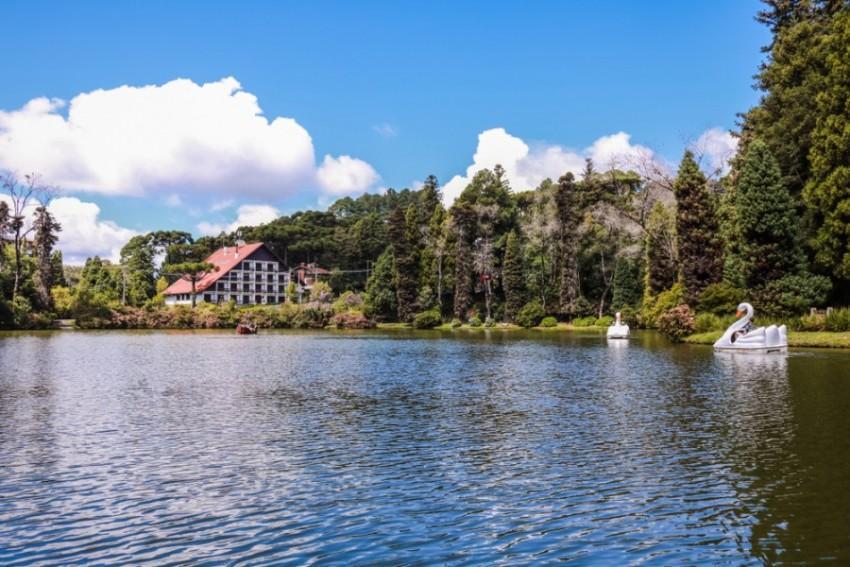 Lago Negro com pedalinhos em Gramado