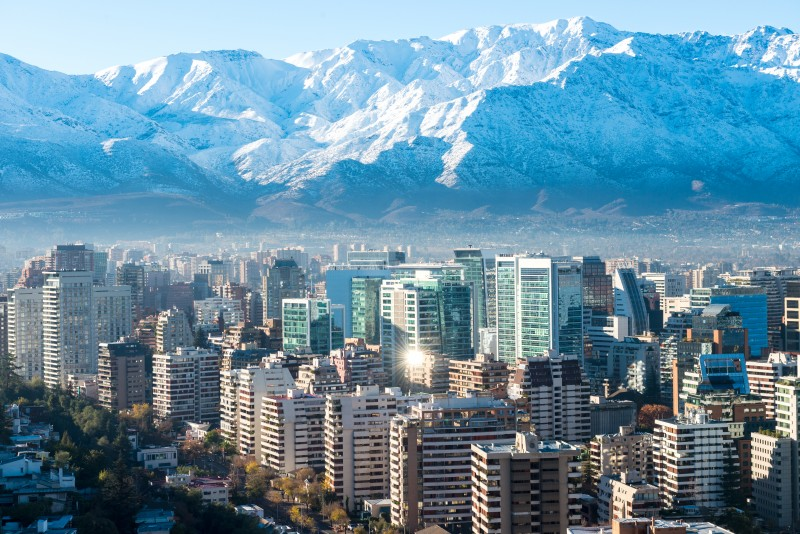 Vista de Santiago e cordilheira