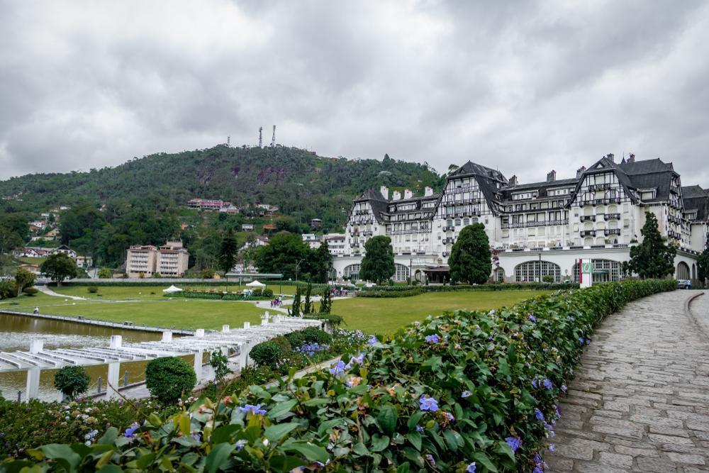 Palácio Quitandinha e jardins em Petrópolis