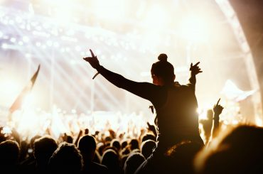 público em show de música