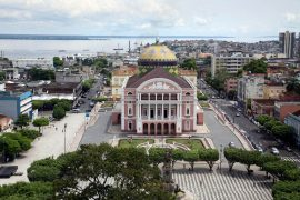 Vista aérea do Teatro Amazonas em Amazonas