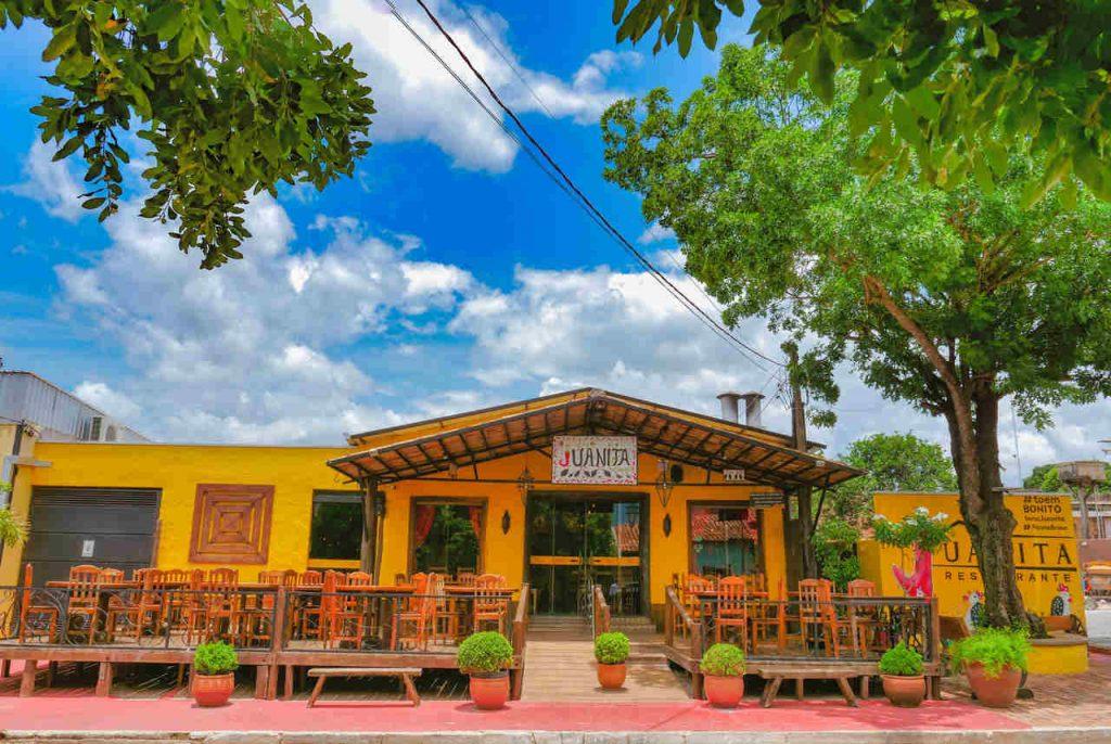 Fachada do restaurante Juanita, em Bonito.