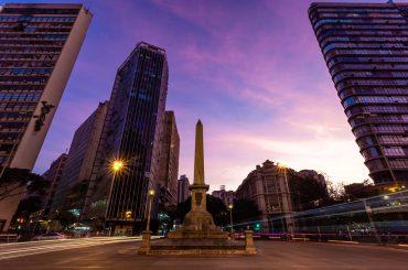 vista ao entardecer de Belo Horizonte, Minas Gerais