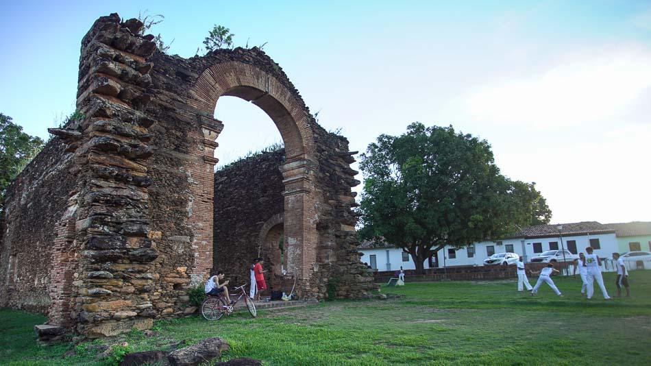 ruínas da igreja de nossa senhora do rosário dos pretos em natividade tocantins