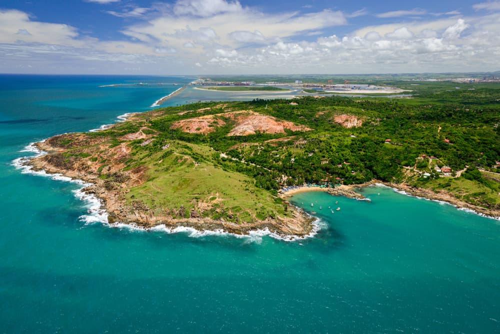 vista aérea da praia de calhetas em cabo de santo agostinho