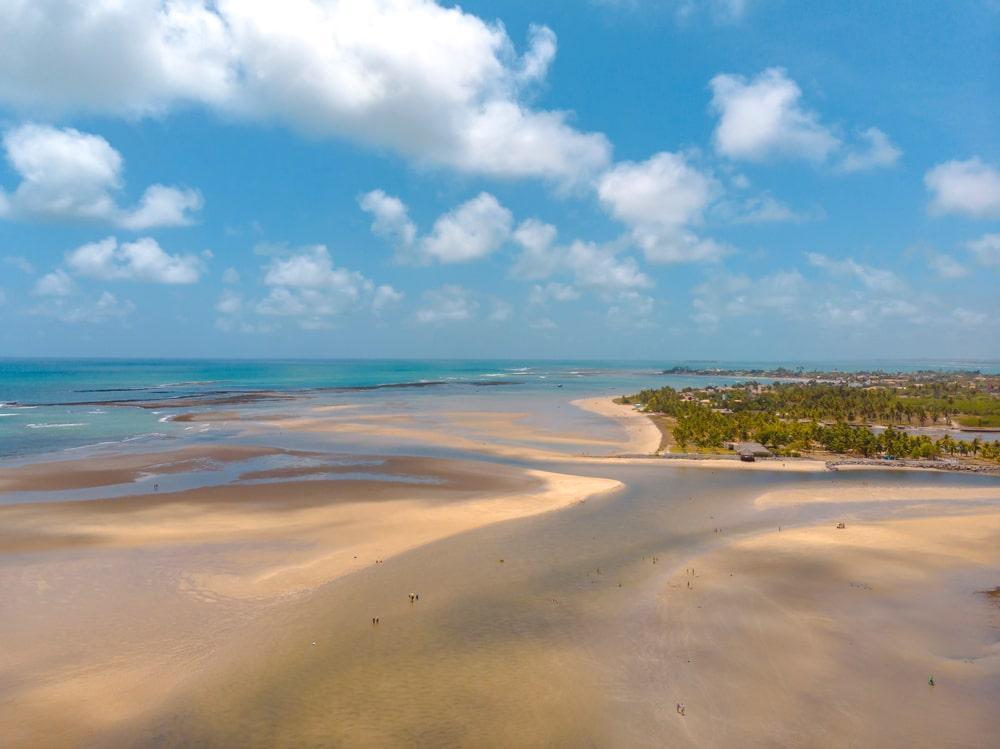 deserta praia de macaípe próxima a porto de galinhas